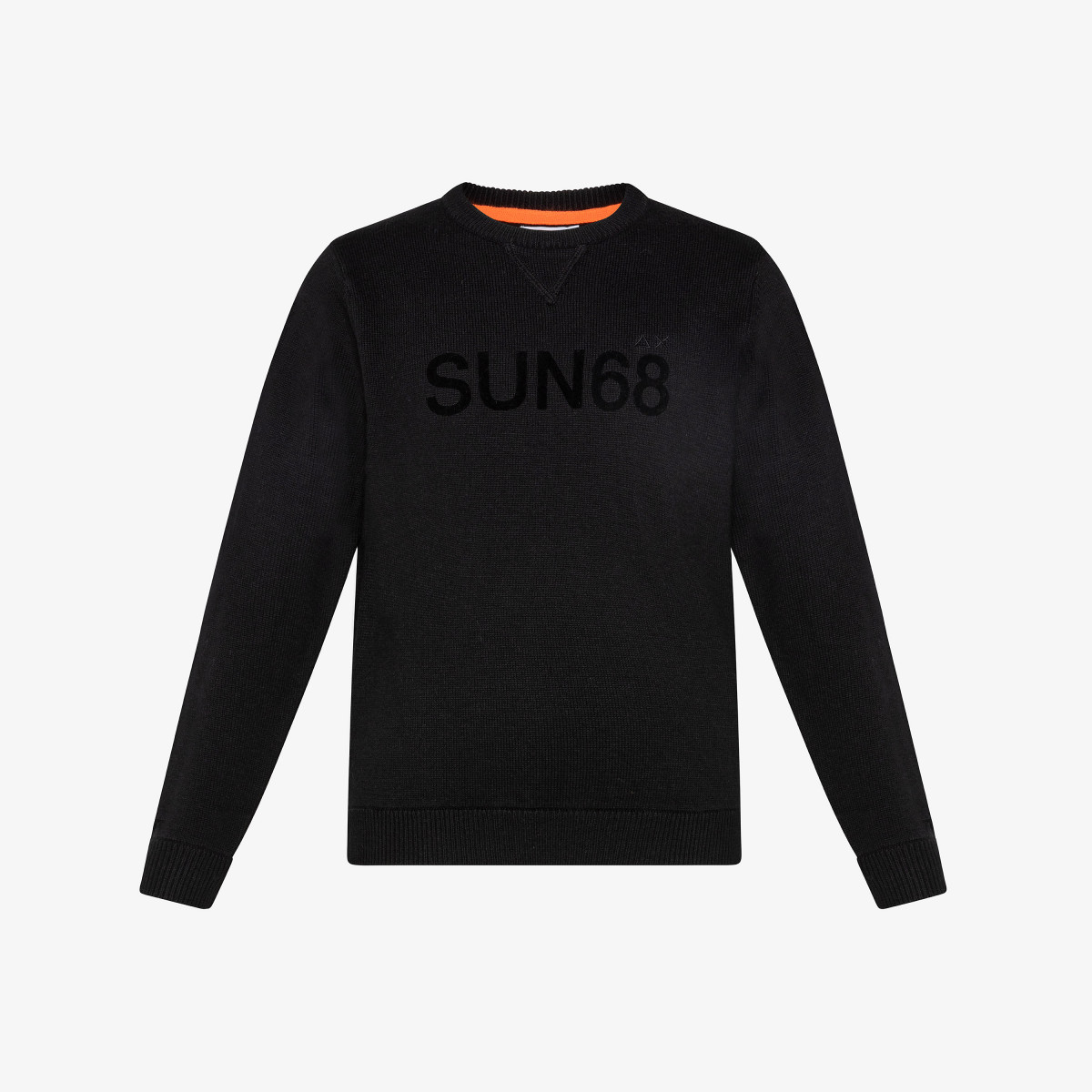 BOY'S ROUND LETTERING ON CHEST BLACK